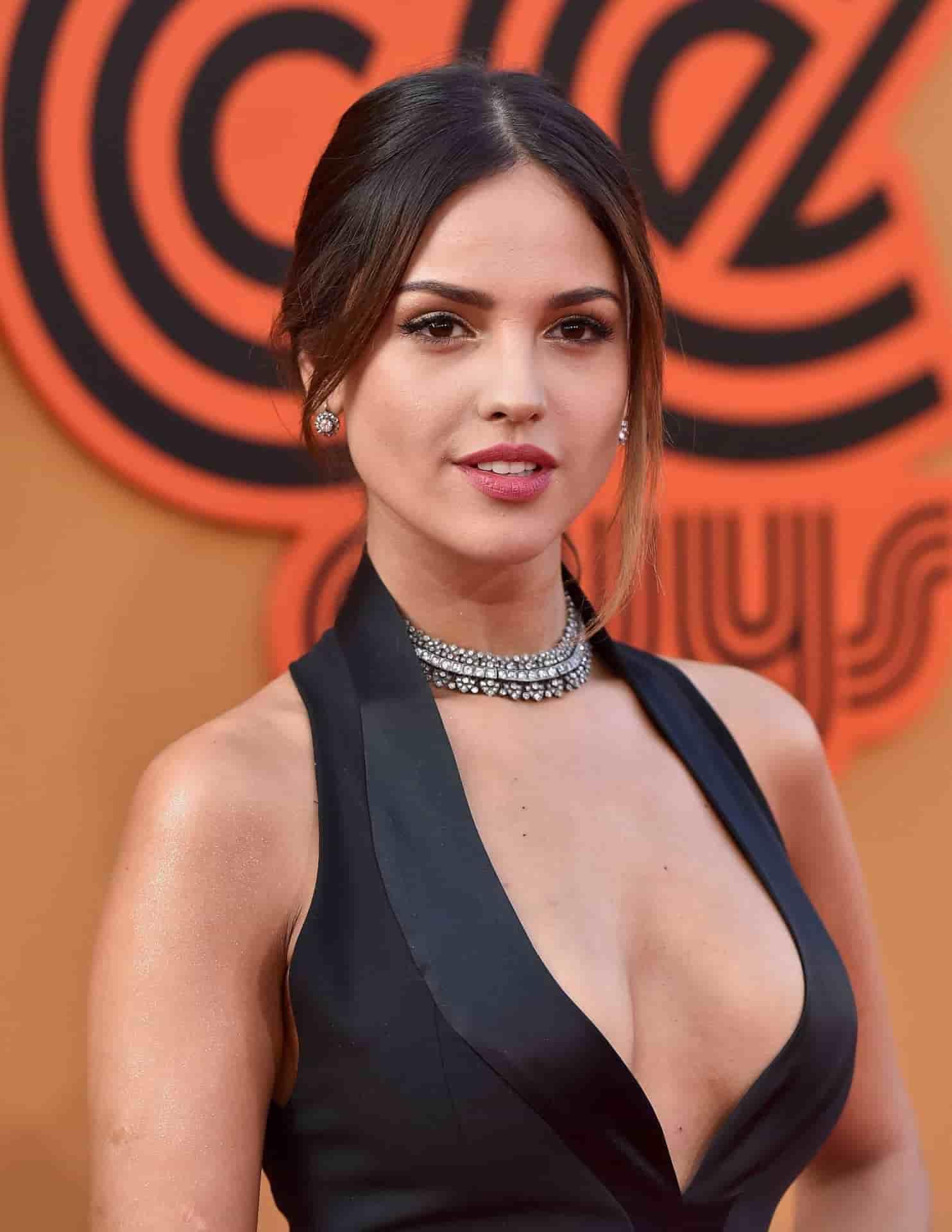 Eiza Gonzalez figure