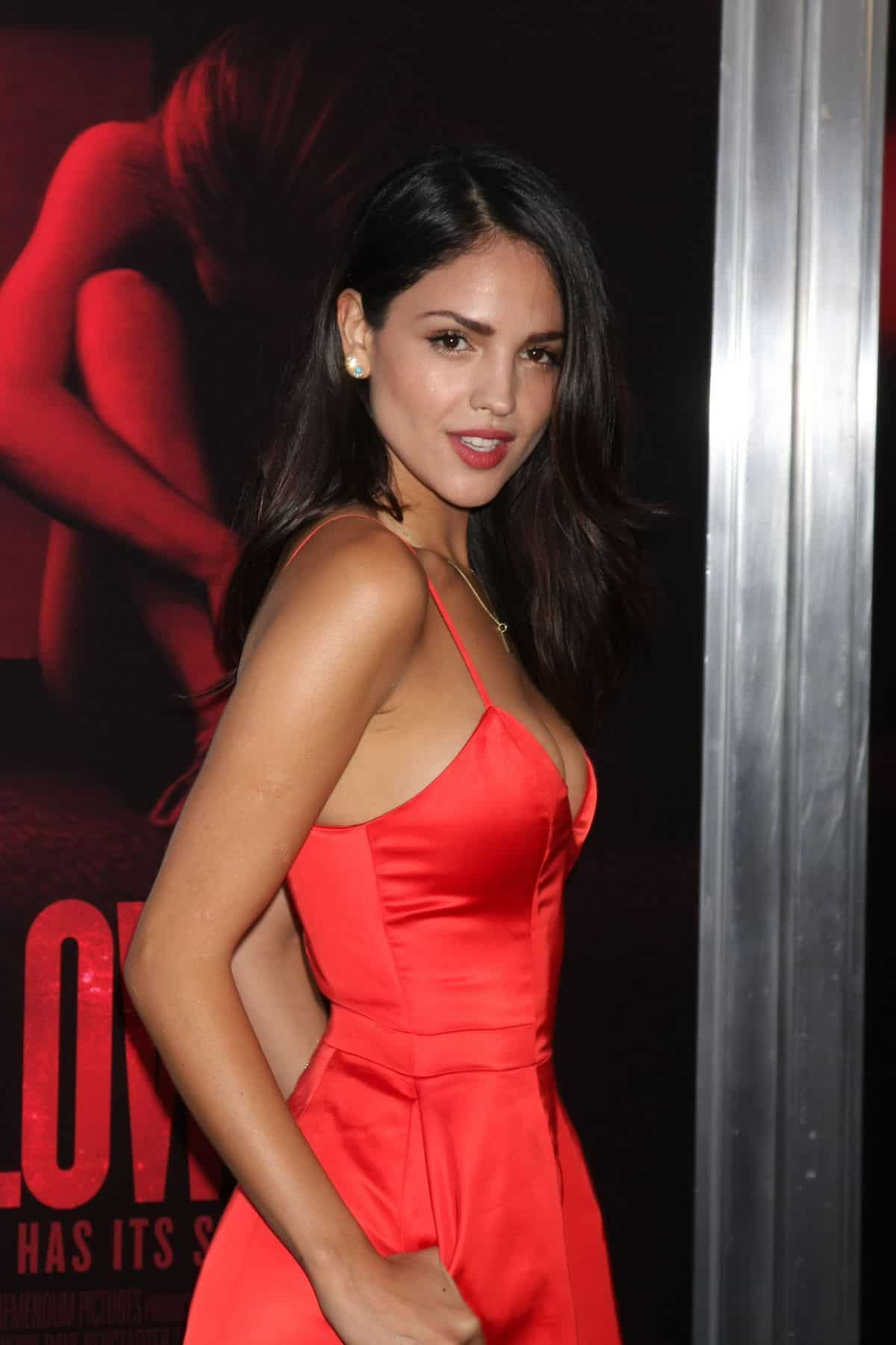 Eiza Gonzalez red dress