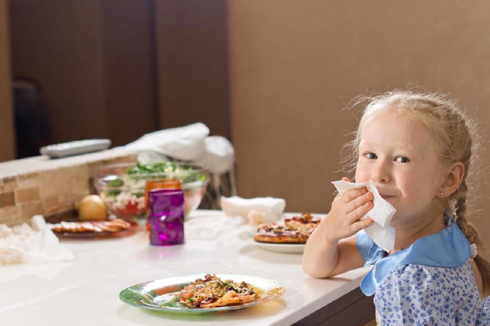 teach your child manners at the table