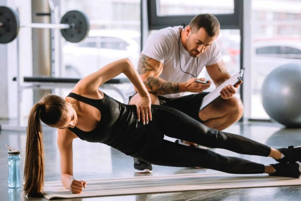 Helpful Tips in Choosing Your Personal Gym Trainer
