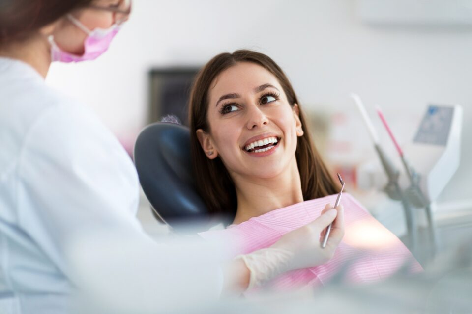 What Are the Advantages of Porcelain Veneers