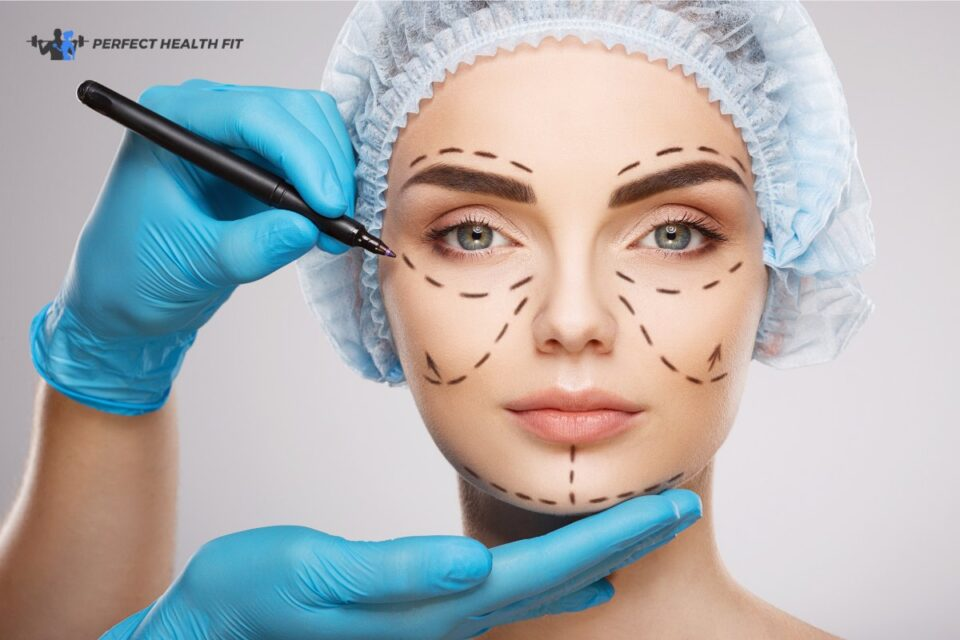 Ear Numbness & Other Facelift Side-Effects to Watch Out For