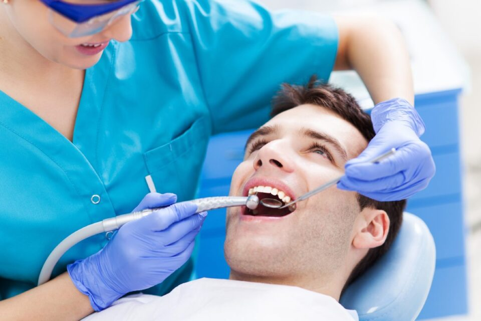 3 reasons that you should get your wisdom teeth removed